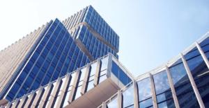 Für die richtige Pflege von Gebäuden sorgt ein Hausmeister